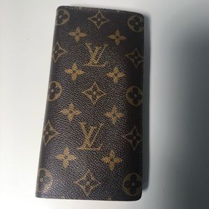 Louis Vuitton Brazza Wallet In Monogram canvas